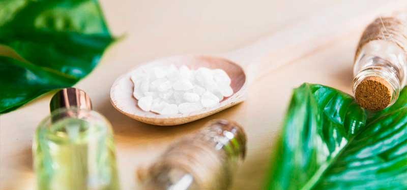 Badzout, eigenschappen, ontspanning en ontgifting van de huid